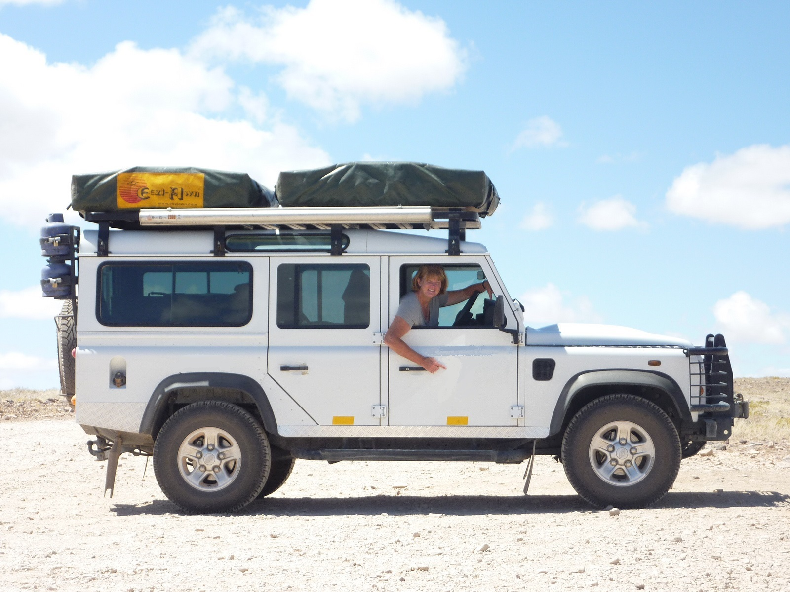 1000 images about landrover on pinterest surf campers for Garage land rover nancy